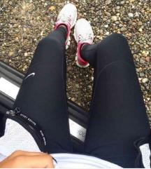 Nike dry fit L