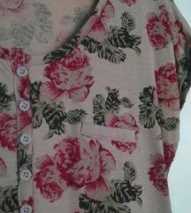 Review cvjetna majica