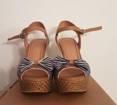 [KAO NOVA STVAR] - Sandale na punu petu - BATA