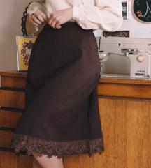 Smeđa suknja