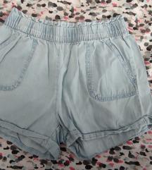 Kratke hlače 140