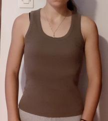 Smeđa majica