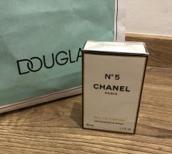 Chanel N5 parfem