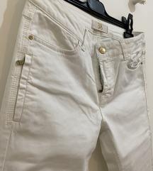 Zara bijele uske hlače