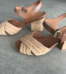Julie Dee  kožne sandale 39