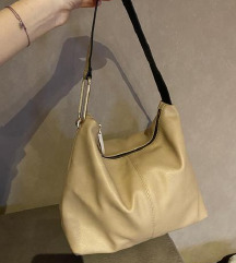 Carpisa vrecasta torba- malo ostecenje