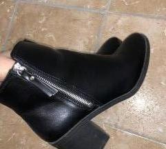 Crne kozne gleznjace h&m