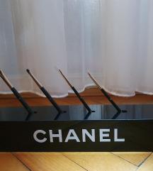 Chanel stalak za kistove i 4 Chanel kista SNIŽENO
