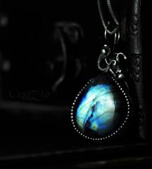 Aurora-labradorit i srebro