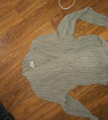 bluza bež boje sa prorezom prodati/mijenjati