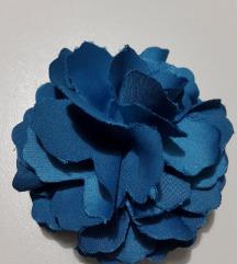 Plavi broš