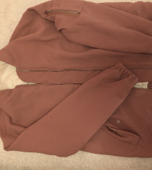 Prljavo roza jaknica