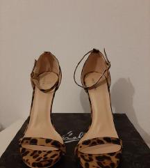 Nove tigraste sandale - veličina 38