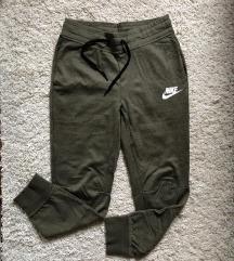 Nike hlace