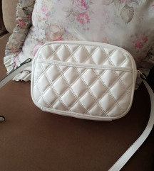 Nova bijela stradivarius torba