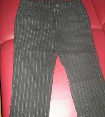 Capri rastezljive hlače na prugice, 36