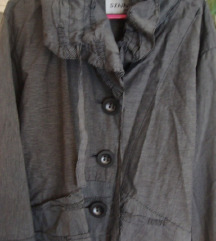 Zanimljiva jaknica bez postave