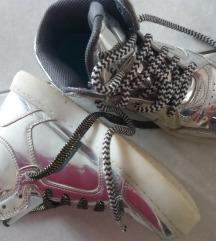Skechers tenisice sa lampicama br. 35