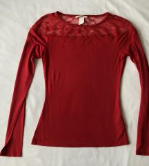 H&M crvena majica sa čipkastim ukrasom