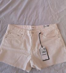 Mango kratke hlače s etiketom