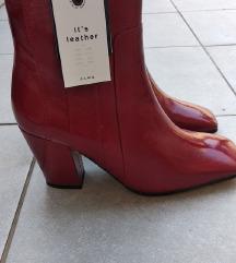 Nove Zara crvene čizme 38