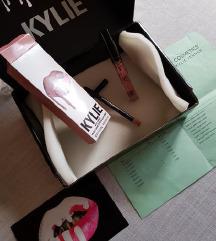 Kylie - strawberry cream velvet lip kit