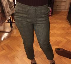 Karirane hlače  🌸 40 kn 🌸