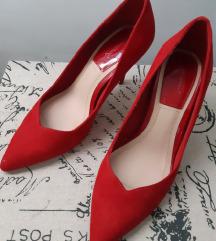 Stradivarius crvene salonke