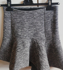 Asimetrična siva suknja