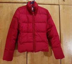Crvena pernata jakna