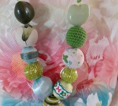 Ogrlica s kuglicama i perlicama