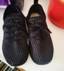 Adidas depurt
