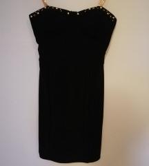 Uska crna haljinica
