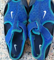 Nike šlapice za vodu