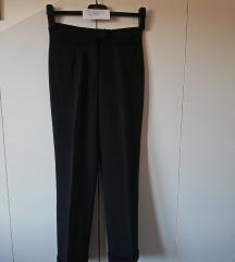 Crne hlače sa mandžetama br38 - RED//GREEN