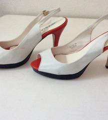 Sandale lakirane