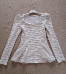 Bijela majica s puf rukavima