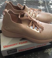 Skechers memory foam 40 br