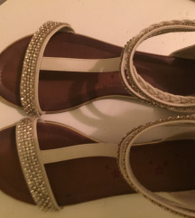 Sandale niske
