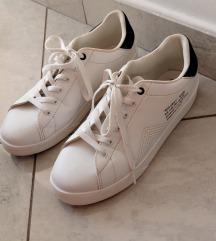Crno bijele tenisice