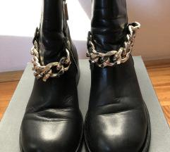 Kozne cizme sa zlatnim lancem/37
