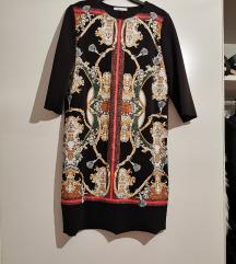 zara crna haljinica sa zlatnim detaljima