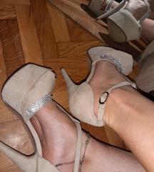 Nove sandale 36