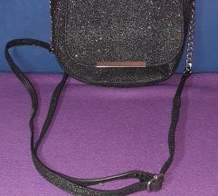 Prodajem torbicu sa šljokicama