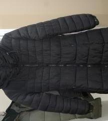 Zimska jakna sa povišenim okovratnikom