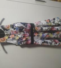 Cvjetna haljina s volanima
