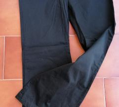 Crne elegantne hlače 38