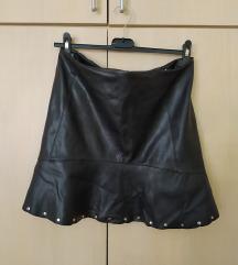 Crna mini kožna suknja Mango