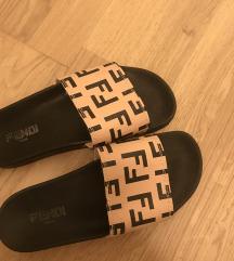 Fendi papuče 40