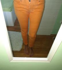 Narančaste hlače😍